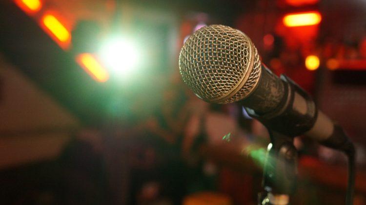 ツイッターで教えてもらったスナックで歌うと良さそうな曲