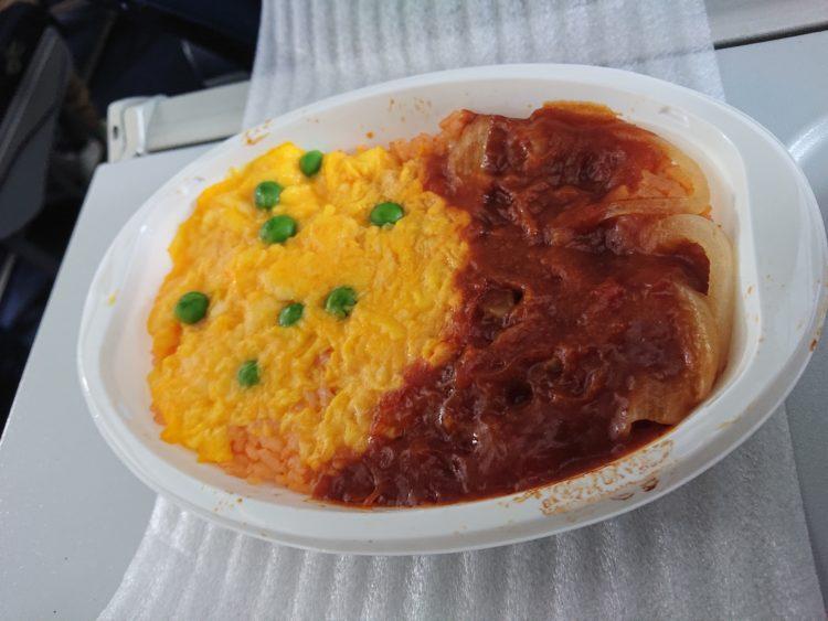 バニラエアの機内食 オムライス
